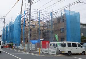 建設中の「パワーホーム日吉」の様子(2015年8月29日撮影)