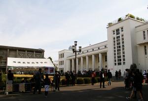 今日もたくさんの人手でにぎわった慶應義塾日吉キャンパス