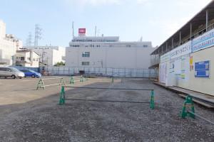 綱島東6丁目側ではまだ工事に着工していない(2015年10月3日撮影)