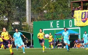 2015年10月25日に下田グラウンドで行われた筑波大学戦に勝利した慶應(黄色のユニフォーム)