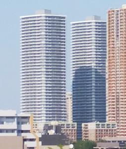日吉の高台から眺める武蔵小杉駅付近のタワーマンション群