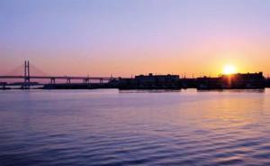 東急電鉄では元旦の早朝に「みなと横浜 初日の出号」を運転する。日吉駅発は5時32分(ニュースリリースより)