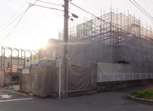 綱島東4丁目の「テンダーラビング保育園綱島東」は建物工事が進む