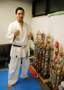 「一人でも多くの日吉の皆さんに、この教室で空手を体験していただきたい」と杉澤さん。確かな実績をもとに、高い技術、そして何より空手で自己に挑戦していくことの楽しさを伝えていきたい、と力強く語る