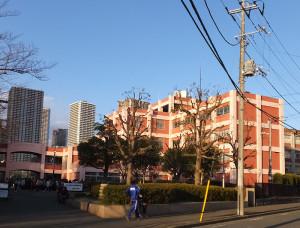 日吉から一番近い公立高校が元住吉駅近くにある「住吉高校」