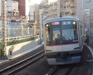 「特急」は日吉駅には停まりません!