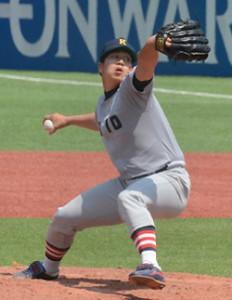 2015年秋季リーグでは4勝(1敗)をあげ、防御率1.19で投手ランキングでリーグトップとなった加藤拓也投手(総合政策4年、慶應義塾高出身)