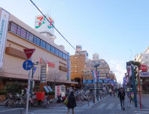 イトーヨーカドー綱島店付近は綱島の一大買物スポット