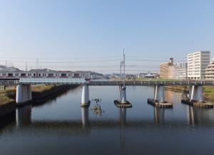大綱橋から見た鶴見川、今回は綱島西や上町、新吉田地区での架橋は検討されないことになった