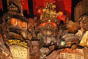 そこには、ファンタジーの世界「ヒヨウラ」の街が、劇中さながら、鮮やかに出迎えてくれました
