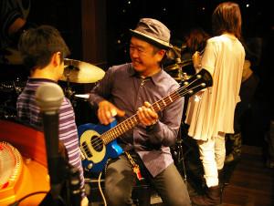 コンサートは大盛り上がりで終了!楽器体験コーナーも子どもたちが気軽に楽器に触れられる雰囲気でした