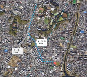 日大第二グラウンドは日吉駅東口から歩くと20分超かかる、バス路線もあり