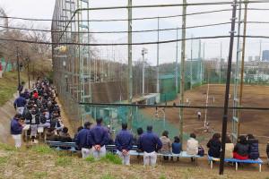多数の観衆が詰め掛けた慶應日吉台球場