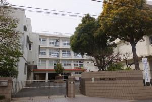 2015年度に校舎をリニューアルした北綱島小