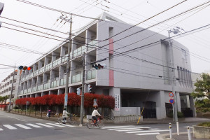 北綱島小と隣接して建てられている北綱島特別支援学校