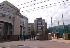 箕輪町2丁目にある日本大学高校・中学校