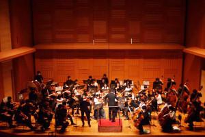 日吉の丘での年末コンサートに向けて慶應義塾の有志メンバーが始動!(写真:第1回コンサート=日吉の丘フィルFacebookページより)
