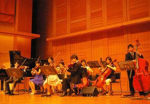プレミアムな弦楽オーケストラが早速登場!美しい音色が藤原洋記念ホールを包みます