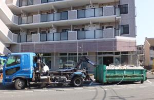 既に現状回復工事が進んでいる「ファミリーマートサンワ日吉5丁目店」(5月5日)