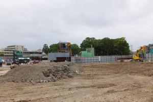 新綱島駅の建設予定地では、東京園の建物が既に取り壊されている