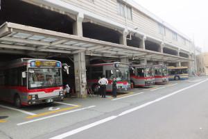 綱島駅の日吉寄りは現在バス乗り場となっている