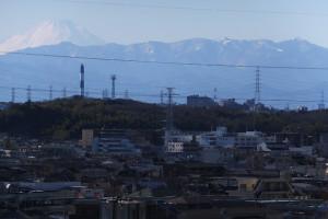 日吉の丘の上から富士山が見えることもあります。地元民しか知らないスポット