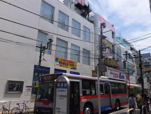 綱島駅東口(旧駅前商店街ビル側)の目の前に高層ビル建設構想が持ち上がっている