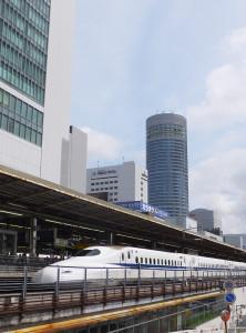 新幹線を降りて乗り換えれば綱島や日吉はすぐの場所となる