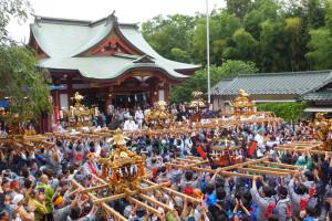 2016年8月28日(日)、綱島の各町内の神輿(みこし)が諏訪神社内に入ってくる「御宮入り」の様子