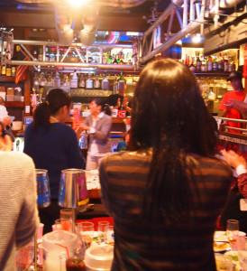 いよいよ第1回目となる「横浜日吉新聞」読者交流会を開催!場所は慶大生にも大人気のGB'sCAFE(ジービーズカフェ)慶応大学日吉駅前店の新しい地下店舗を予定しています(写真:同店3階でのパーティーの様子・読者提供)