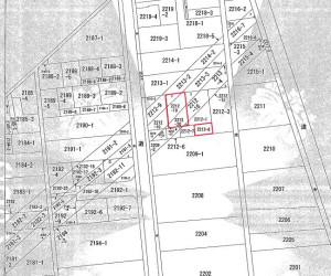 図面上の赤で囲んだ部分が該当の土地、斜めに走る線が地下トンネルとみられる(市の資料より)