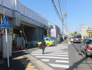 来月(2016年11月)1日に廃止される日吉第1架道橋(写真左側、右側は綱島街道)