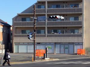 住所として示されているのは9月20日まで「ローソン日吉本町四丁目店」だった場所