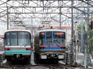 三田線、南北線ともに目黒線直通列車が増える(日吉駅近く)