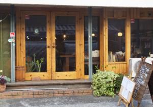 コーヒーは、店主・健一さんがほれ込んだ同じく綱島西2丁目の焙煎珈琲豆屋「ぐらんあみ」のブラジル豆を使用