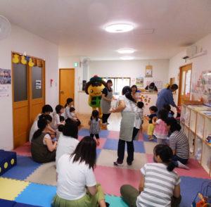 たかたんの誕生会は毎年開催。普段は「比較的穏やかに」子育て仲間と交流できるという