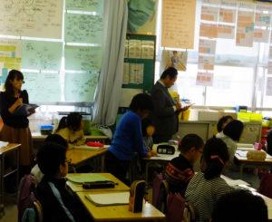 この日は研究授業として、大学教授や周辺校の管理職、同校の教員約20人も授業の様子を見学した(2018年1月18日)