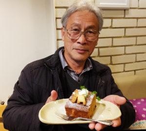 日吉丸の会顧問で慶應義塾大学名誉教授の岸由二(ゆうじ)さんは、日吉キャンパスをかたどった小動物?だという「日吉丸」のデザインを手掛けた