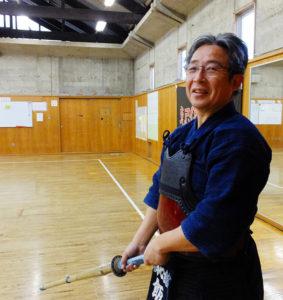 早稲田大学体育会剣道部在学中には、関東学生剣道連盟の幹事長としても活躍した飯山さん。現在は七段。ドイツ・ハノーバーでの指導経験や、港北区の個人大会での優勝経験も