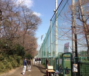 第5回開催時の様子。4月に入っていたものの、まだ桜はあまり咲いていなかった。「まだ地域の人々の認知度も今ほどではなかった」と加賀雅典さん(2012年4月1日、撮影も)