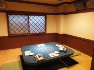 2、3階に大小個室を全8室完備。日吉駅付近では数少ない団体やプライベートでの利用がしやすい場所として好評を博しているという(遊膳たつ吉にて)