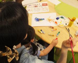 「親子で様々な国際色豊かなイベントなどを体感いただけたら」と同園。ママのためのヨガ教室や、セミナー形式のイベントなど、今後も積極的な「アカデミー」のプログラムを予定している
