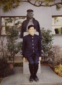 横浜高校時代の小嶋さん。バスケットボール部の練習も厳しく、金沢区への通学は当時とても遠く感じたという(小嶋純一さん提供)