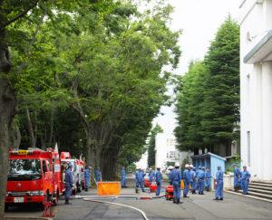 災害時に街や地域を守れるかは、一人ひとりの手にかかっている(6月17日、慶應義塾高校前)