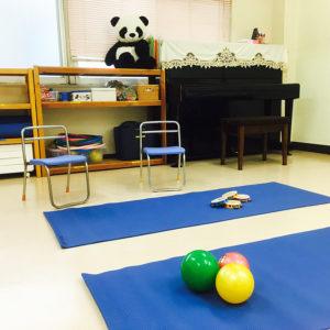 赤ちゃん(0歳児)から90代の受講者まで、幅広い年代層向けの講座を開講している(カルチャー日吉提供)