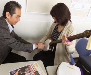 レッスンは小学校4年生から大人まで受講できる。「できれば50代から第二の人生を豊かにする1つのツールとして、津軽三味線も学んでもらえたら」と小山さん