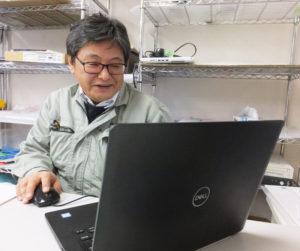 パソコンに関するトラブルは気軽に相談してくださいと井上さん。この道30年のキャリアを活かし、一つひとつのパソコンに向き合っていきたいという
