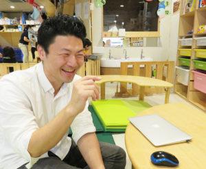 """長谷川さん自身起業し立ち上げた「まなび家保育園」(写真はいずれも園内)も、8月に満2年となる。英語での読み聞かせなども実施、「新しい教育事業でも""""生きる力""""を育みたい」と意気込む"""