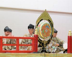 横浜興禅寺雅楽会(高田町)は、高田町連合町内会主催の「たかたの丘音楽会」でも演奏や舞を披露(2019年6月9日)