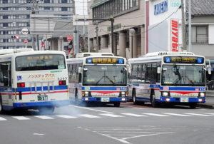 樽町交差点での臨港バス